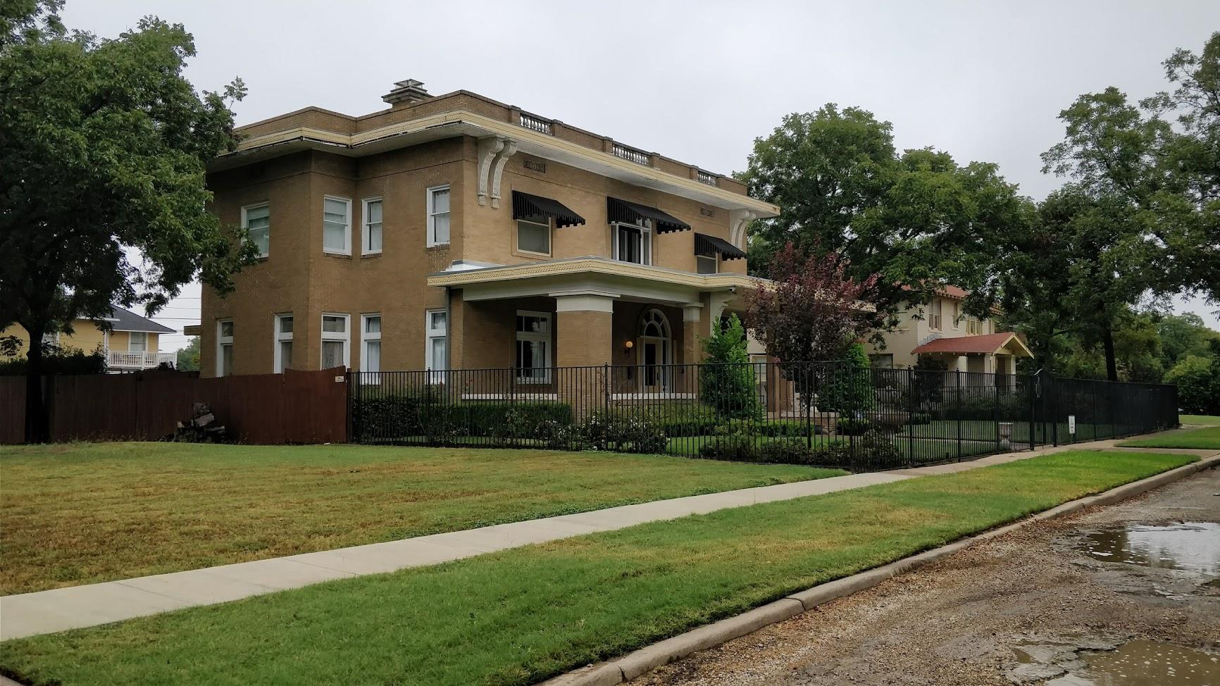 Decorating Design For Historic Houses Paint Colors Antiques Architectural Details